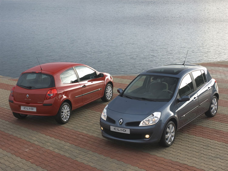 Renault Clio 3.0. Photo from:renault sport clio